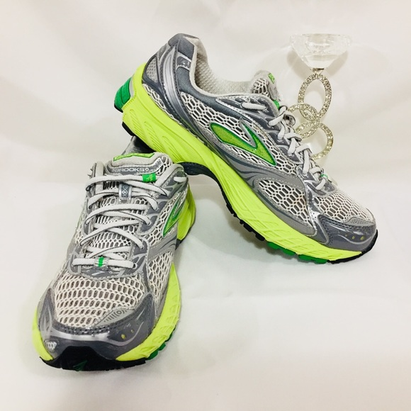 Brooks ghost 4 evolution size 8.5 M
